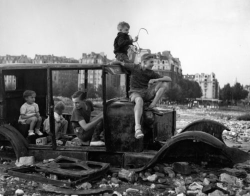 Voiture fondue 1944