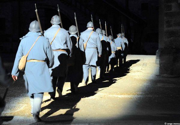 Mobilisation du 2 ao-t 1914-  les soldats partent au front