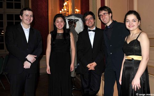 Photo cinq pianistes