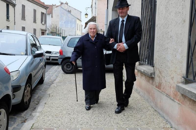 23 photo départ à la messe avec Lazlo David