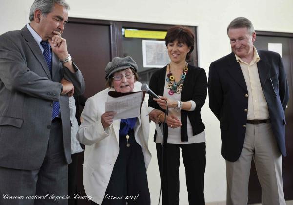 Liliane Blanadet lit son poème - Copie