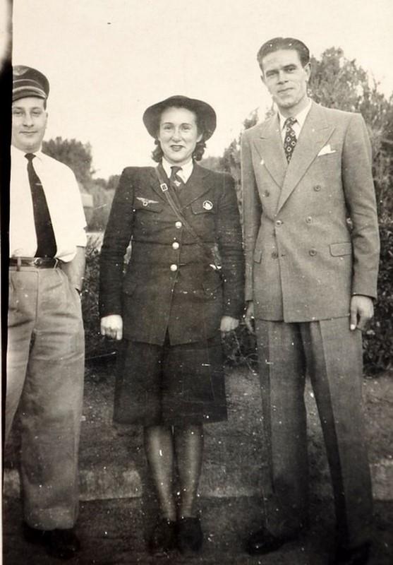 7 photo  en mission en Afrique 1946