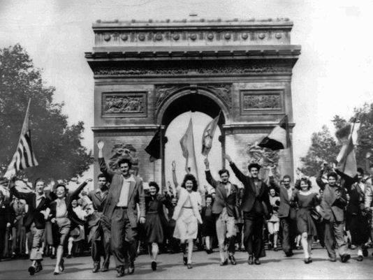 Vstoire 1945 paris